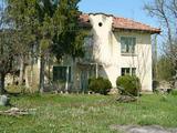 Къща за ремонт в района на Севлиево и Ловеч