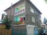 Втори етаж от къща и гараж близо до центъра на Видин