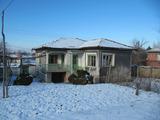 Южна еднофамилна къща с двор на 20 км от Асеновград