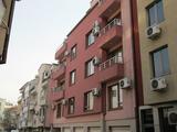 Tристаен апартамент с обзавеждане в широк център в Пловдив