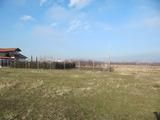 Затревена земеделска земя на 3 км от Пловдив