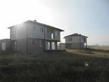 Луксозни еднофамилни къщи с двор на 15 км от центъра на Пловдив