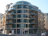 Тристаен луксозен апартамент за продажба в Поморие
