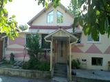Монолитна , реновирана къща в село близо до гр. Русе