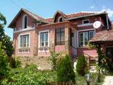 Полностью меблированный дом в традиционном болгарском стиле