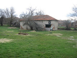 Old house for demolition with large yard near Elhovo