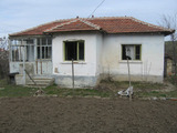 1-storey house with yard and repaired roof near Elhovo