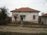 Bargain house, lands and forests for sale 35 km from Vidin
