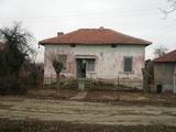 Изгодни къща, земи и гори за продажба на 35 км от Видин