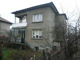 Сутеренен и първи жилищен етаж в квартал Акджамия във Видин