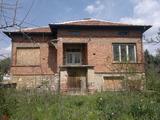 Big house with big garden in quiet village