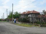Двуетажна къща с двор и лятна кухня на 35 км от Ямбол