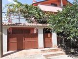 Чудесна двуетажна къща с механа и аранжиран двор край Сливен