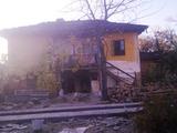 Чудесен селски имот само на 15 км от град Троян
