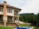 """Две къщи близнаци с басейн, в общ двор, само на 5 км от  язовир """"Йовковци """""""
