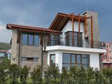 Комплекс от 3 къщи в района на Инцараки в Свети Влас