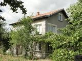 Къща за продажба в спокойно село