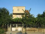 Здрава двуетажна къща с двор край Сливен