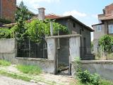 Еднофамилна къща с двор близо до центъра на Асеновград