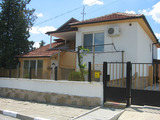 Elegant house with yard and plunge pool 23 km from Yambol