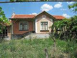 Уютна къща с двор на 20 км от спа курорт Хисаря