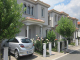 Двуетажна обзаведена  къща в комплекс Виктория Хилс в Бургас