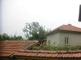 Тухлена двуетажна къща с голям гараж на 10 км от гр. Габрово