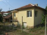 Ремонтирана къща с двор в спокоен селски район