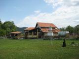 Красива двуетажна къща в Предбалкана и близо до гр. Елена