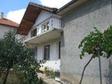 Градска къща с двор близо до Елхово