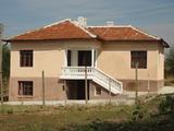 Селски имот с голяма градина близо до Стара Загора