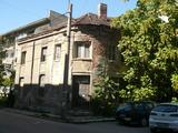 Двуетажна къща с отлична локация в кв. Калето