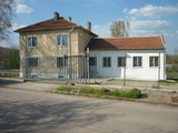 Промишлено помещение в село на 6 км от  град Ловеч
