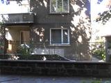 Етаж от къща с двор  в красивия  планински град Троян