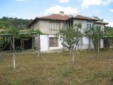Къща с двор край борова гора на 23 км от Елхово