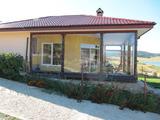 Красива къща на първа линия при язовир Батак