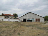 New dairy farm with 2-storey house by Parvomay
