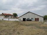 Нова кравеферма с къща край Първомай