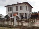 Къща на 2 етажа за продажба близо до Бургас