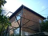 Втори етаж от къща, в центъра на гр. Велико Търново