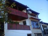 Триетажна, напълно обзаведена и новопостроена къща в гр. Велико Търново