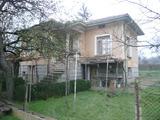 Селска къща с голям двор на 50 км от Видин