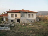 Old house with yard and summer kitchen in Hisarya