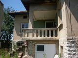 Панорамна къща с двор на 10 км от Враца