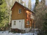 Голям парцел с двуетажна вила в ски курорта Боровец