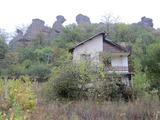Вила с двор и уникална гледка към Белоградчишките скали
