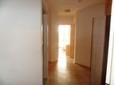 Тристаен апартамент в комплекс Емберли в Лозенец