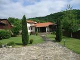 Напълно обзаведена луксозна къща сред красивата природа на Троянския Балкан