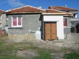 Ремонтирана къща с двор в град Елхово