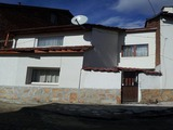 Renovated 2-storey house with garden in Batak